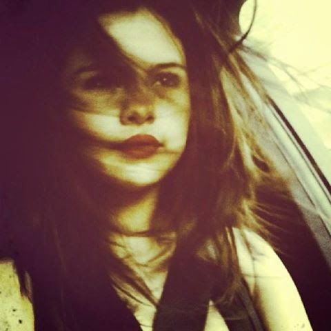 Sensual Selena Gomez Posta Foto Nua No Instagram Veja