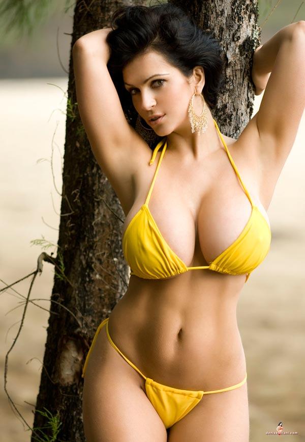 Sexy bikini model video