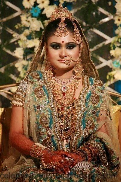 Beautiful+BANGLADESHI+BRIDE+WITH+GORGEOUS+MAKE UP+Photos+Collection020