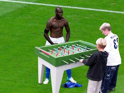 Balotelli Kicker