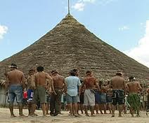 Índios usados pelo tráfico