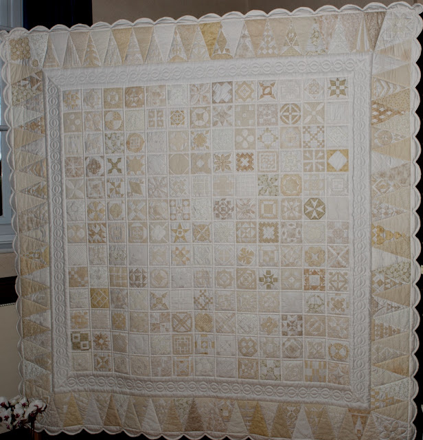 Dear Jane quilt in neutral tones - Nina Viret