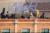 "Shakira pada Video Clip ""Rock Tonight"""