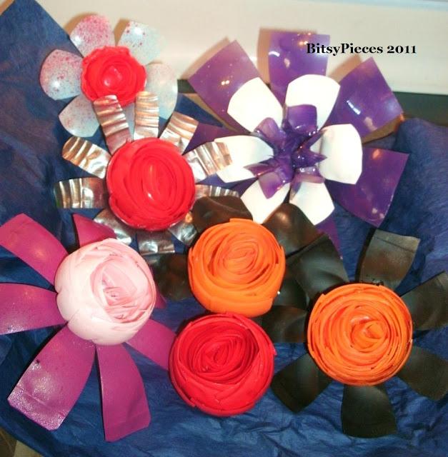 Water Bottle Flowers: BitsyPieces: Plastic Water Bottle Flowers