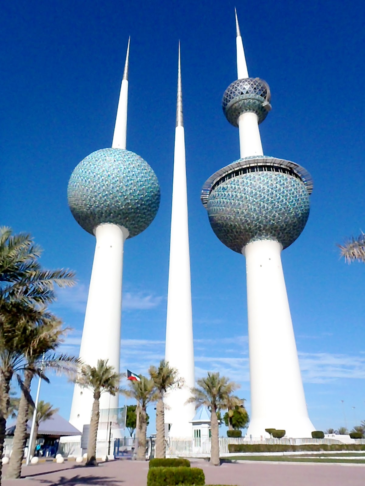 10 things I didn't know about Kuwait, now you will ... All Sizes Water Towers Kuwait Photos