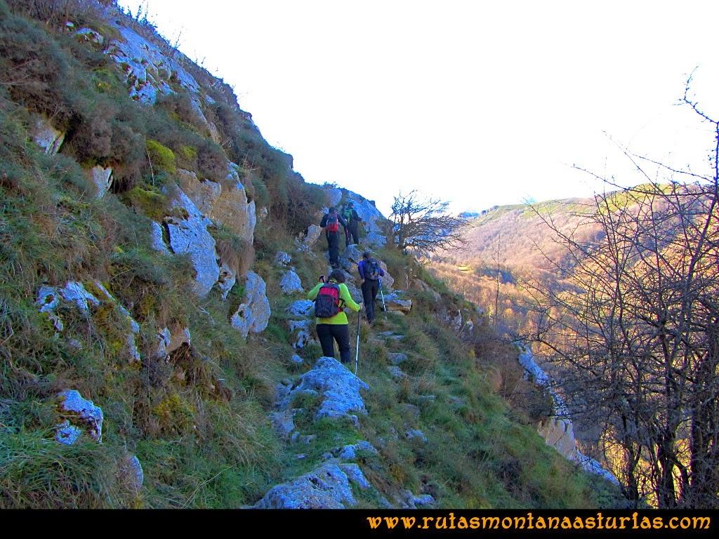 Rutas Montaña Asturias: Ruta de las Pinturas Rupestres de Fresnedo