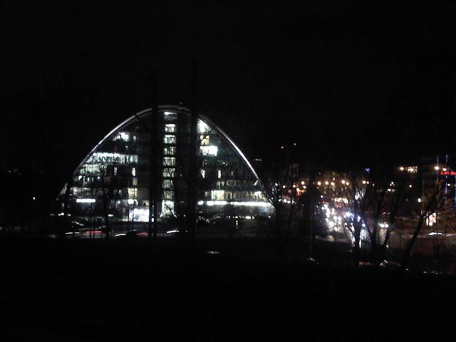 Berliner Bogen bei Nacht