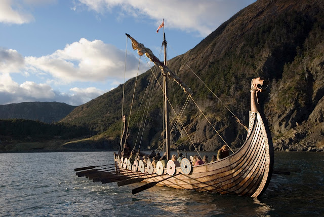 Gambar Kapal Layar Longship Viking