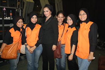 SUE HASHIM MAKEUP TEAM bersama ARTIST