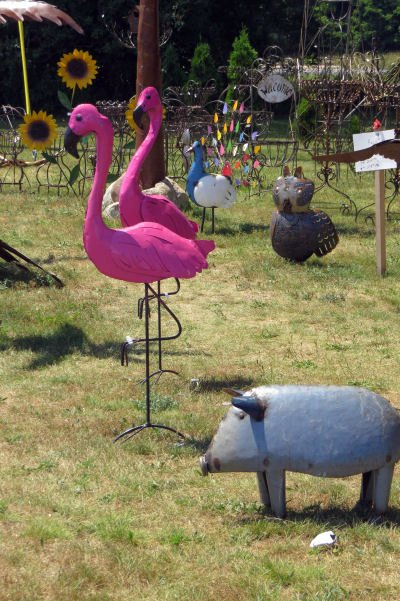 flamingo yard art