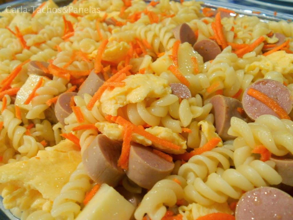 receita de salada de salsichas com espirais