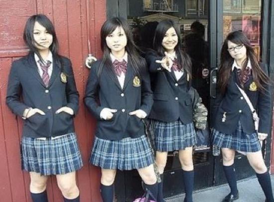 Pelawak Popular Kantoi Curi Pakaian Seragam Pelajar Perempuan Untuk Puaskan Nafsu