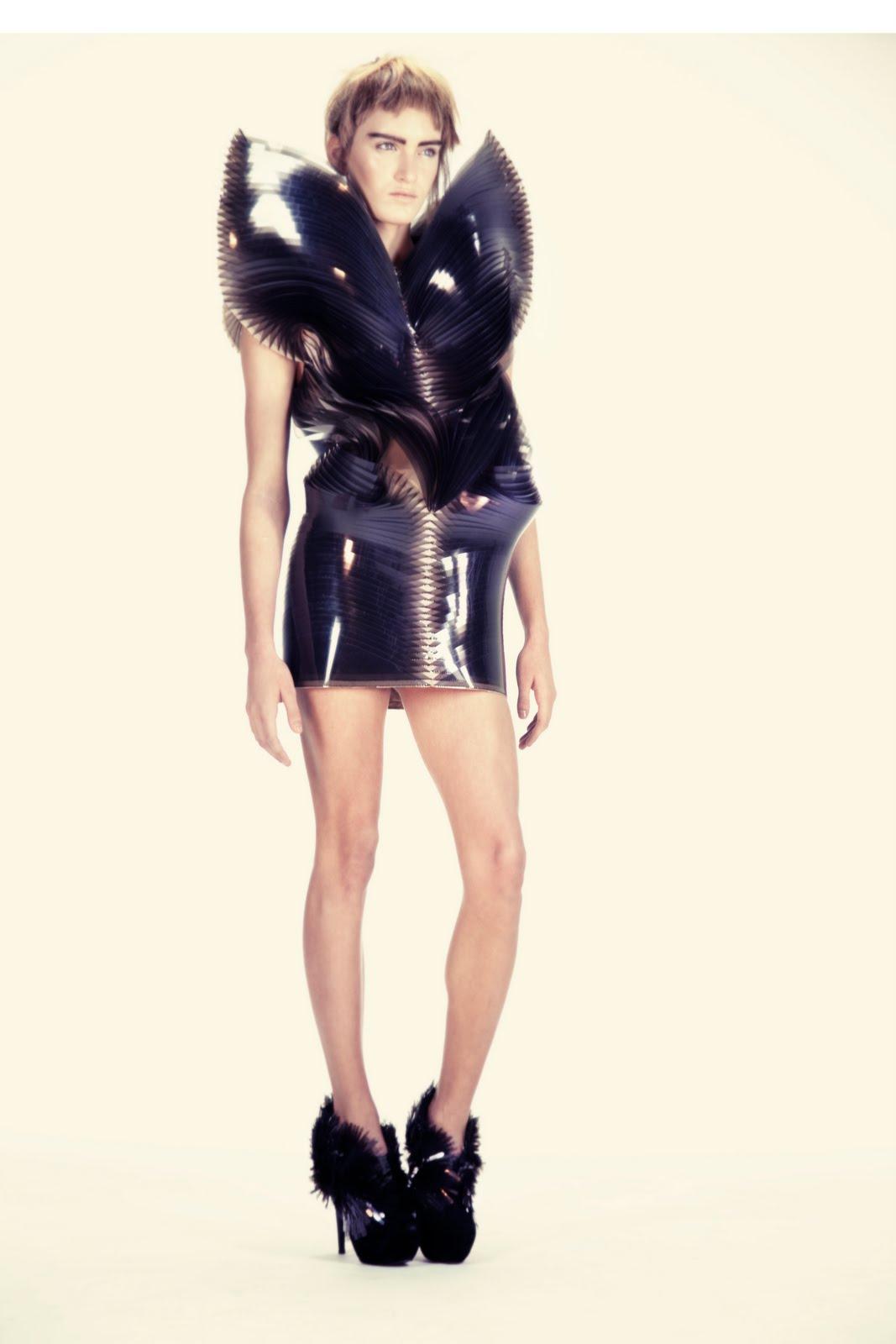Spice pr iris van herpen guest member chambre syndicale for Chambre syndicale de la haute couture