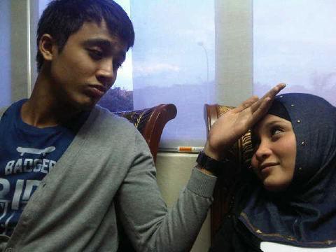 Aliff Aziz Dan Anne Ngasri Tak Selindung - Reena - Bloggers