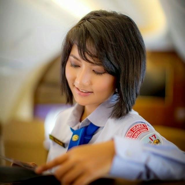 Kumpulan Foto Theresia Mariana Pramugari Cantik Khusus Pesawat Kepresidenan RI