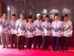 Foto Bersama Pengurus Daerah PGRI