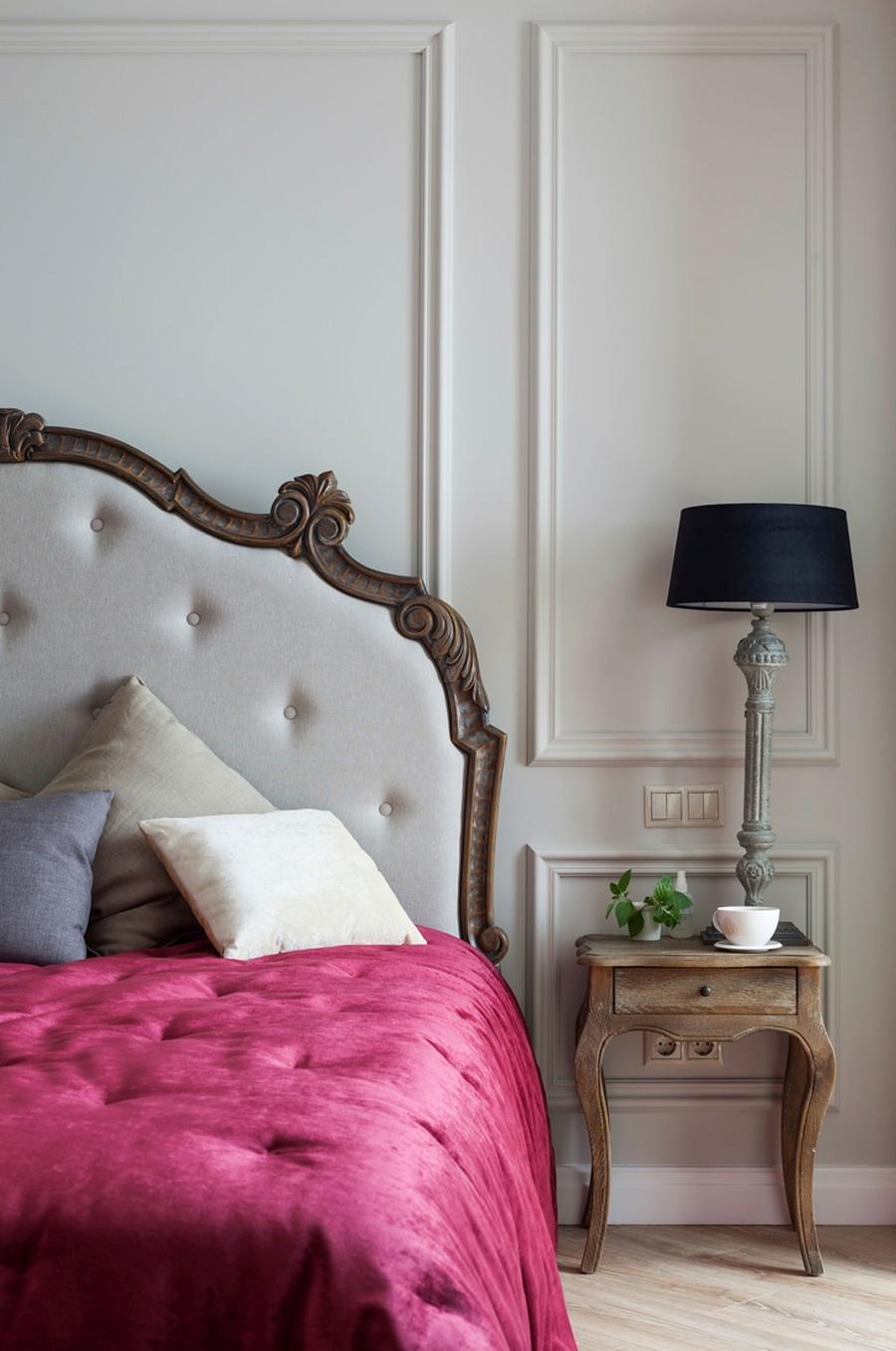 wystrój wnętrz, wnętrza, urządzanie mieszkania, dom, home decor, dekoracje, aranżacje, house, styl francuski, French style, styl klasyczny, klasyka, classic style, grey, szarość, szary, salon, kuchnia, kitchen, elegancja, chic, elegant