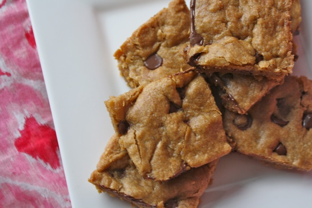 The Traveling Spoon: Chewy Biscoff Blondies