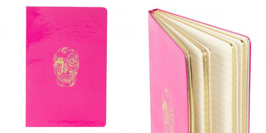 Moleskine DL & Co._Moleskine rosa_ Pink Moleskine_ Moleskine de caveira_páginas de ouro_caderninho rosa_pontas arredondadas