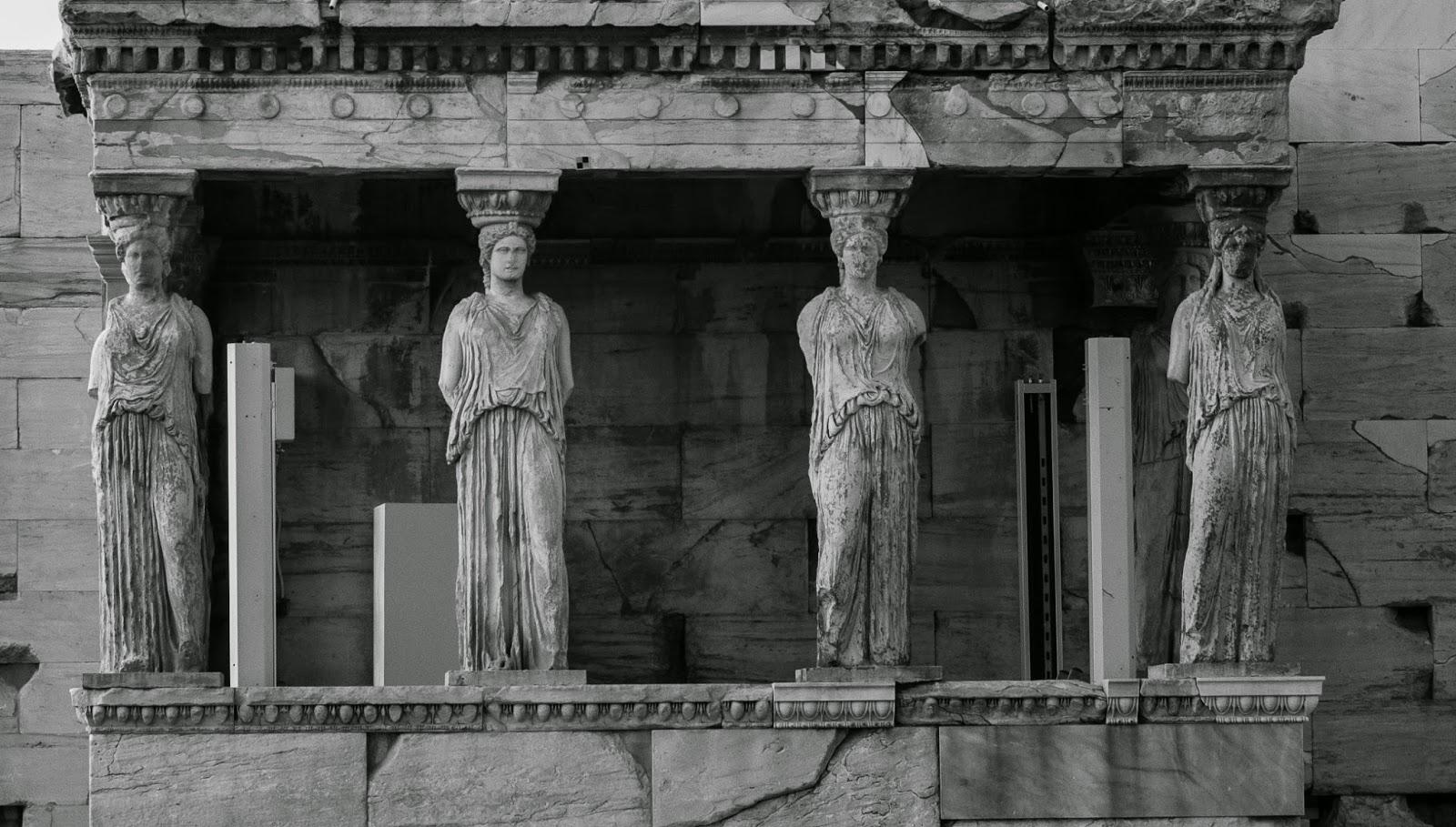 Dağların Kıyıya Paralel Uzandığı Şehir, Atina #2