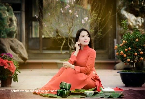 Người đẹp dạo phố hoa đào 6