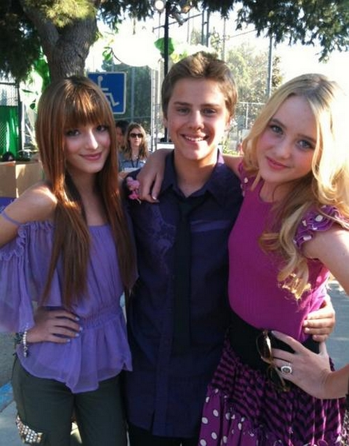 Bella Thorne And Garrett Backstrom chismes michel:...