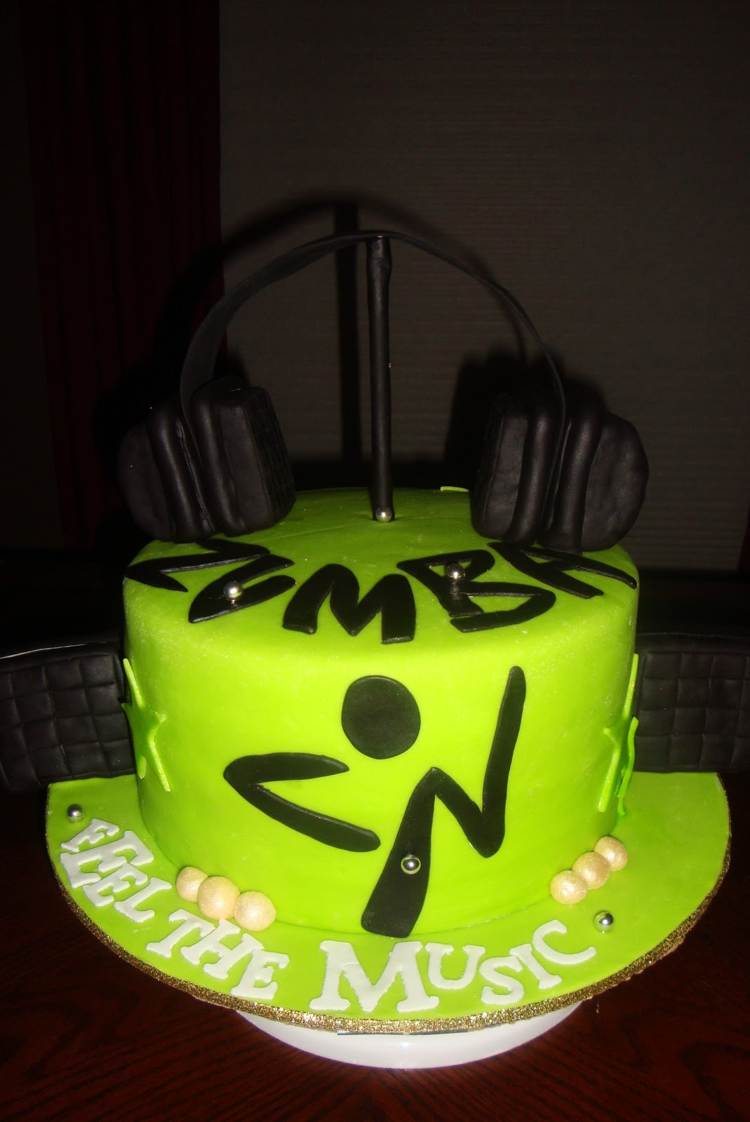 Zumba Birthday Cake http://cakeobsessionsmb.blogspot.com/2011/06/zumba-it-up.html