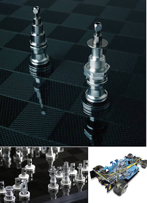 RENAULT F1 TEAM CHESS SET