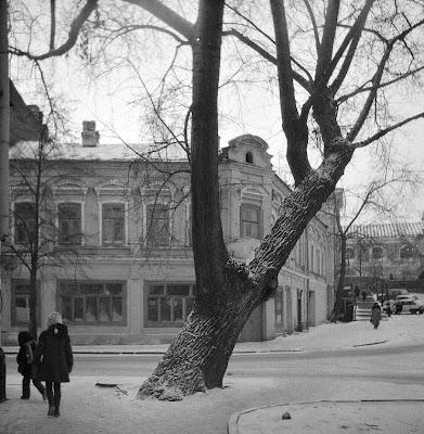 Улица Миславского, хлебный магазин