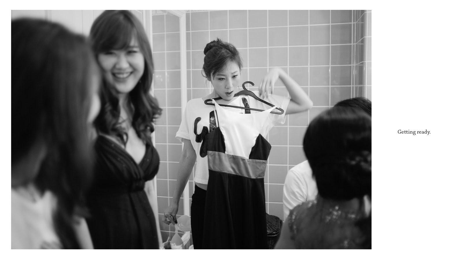 wedding photography singapore raffles bridesmaid