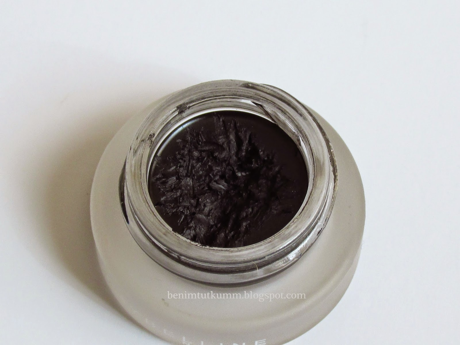 jel eyeliner