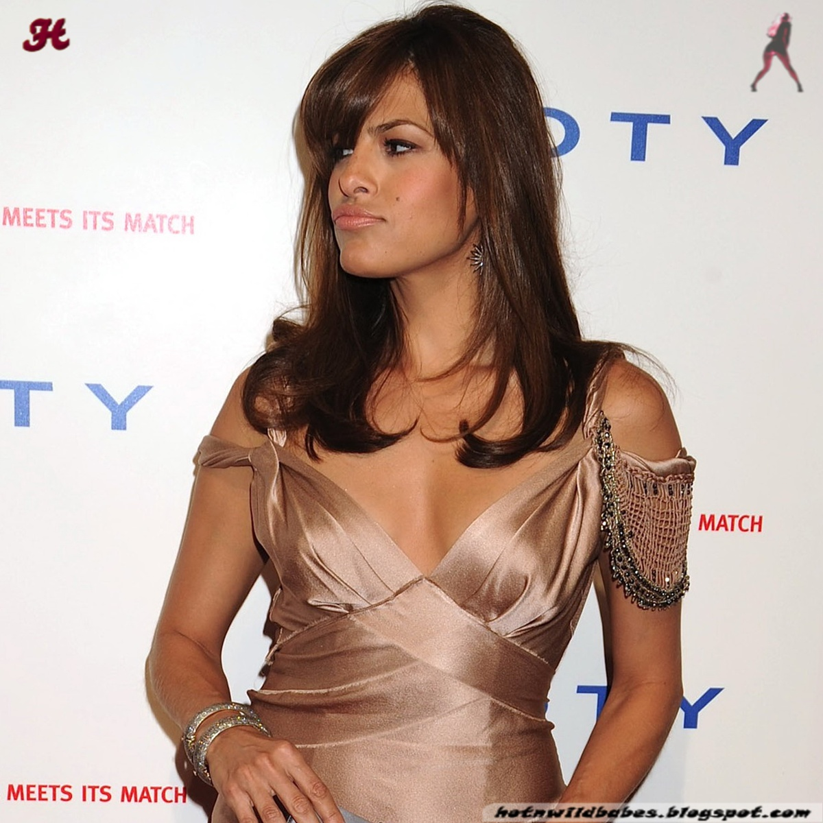 http://1.bp.blogspot.com/-NwtrRacSuUA/Tvo20hTaQtI/AAAAAAAACFs/DxKwGgWYPkU/s1600/Eva_Mendes_pink_gown_cleavage007%2540hotnwildbabes.blogspot.com.jpg