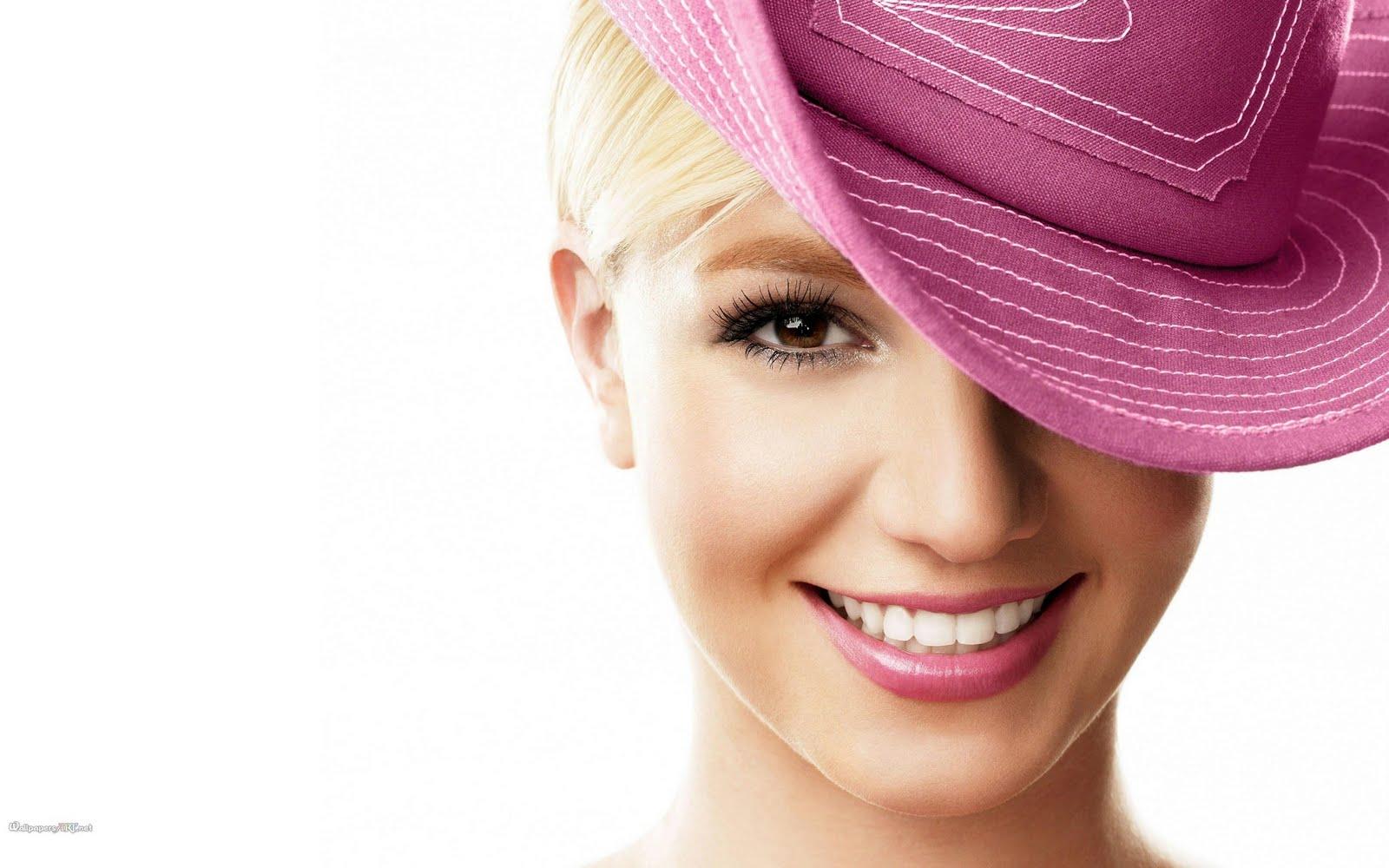 http://1.bp.blogspot.com/-Nx-dUSOBmCY/TmJQNAJGKsI/AAAAAAAACek/fI6jQLPSUC0/s1600/Britney+Spears+2011+Wallpaper.jpg