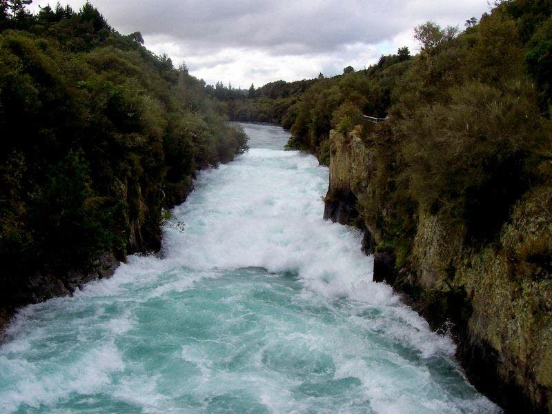 The beautiful Huka Falls are located near to Huka Village, a short drive north of Taupo, New Zealand. The Huka Falls are the largest falls on the Waikato River and New Zealand's most visited natural attraction. The thundering Huka Falls provide a fantastic photo opportunity as we can see more than 220,000 litres of water tumble over the cliff face per second.