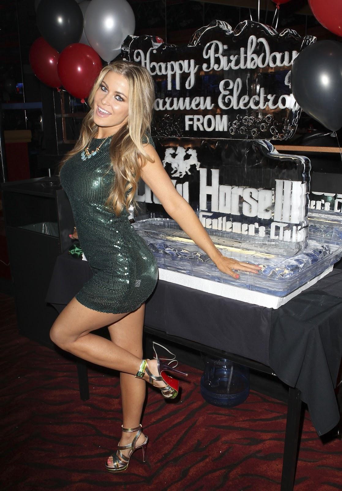 http://1.bp.blogspot.com/-Nx7RQ4TgUaE/T6_DAIvTz5I/AAAAAAAAANA/gONq0WF8Zqs/s1600/Carmen_Electra_Celebrating_her_40th_Birthday_at_the_Crazy_Horse_III_in_Las_Vegas_May_5_2012.jpg