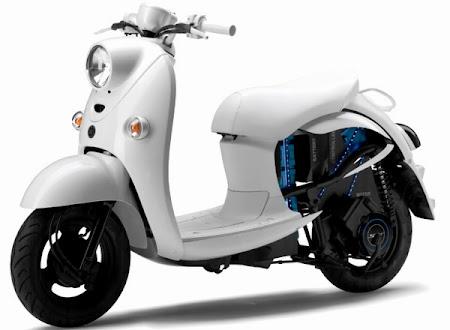 Yamaha EVINO (Foto 2). Majalah Otomotif Online