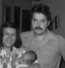 Francisco Goya y María Lourdes Martínez Aranda, con su hijo Jorge