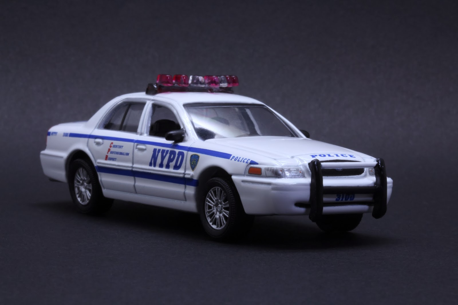 diecast hobbist 2008 ford crown victoria new york city. Black Bedroom Furniture Sets. Home Design Ideas