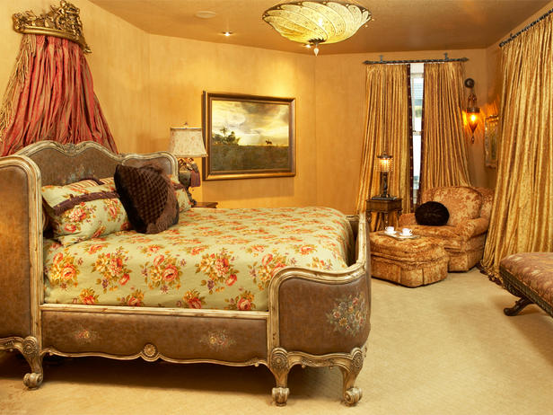 Traditional Luxury Master Bedrooms