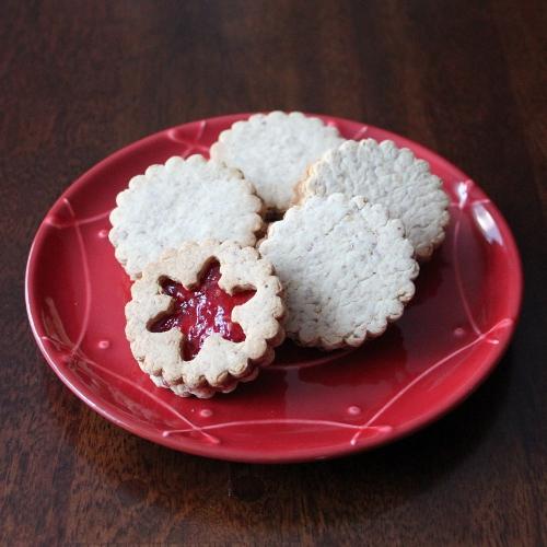 Kitchen Trial and Error: raspberry almond linzer cookies
