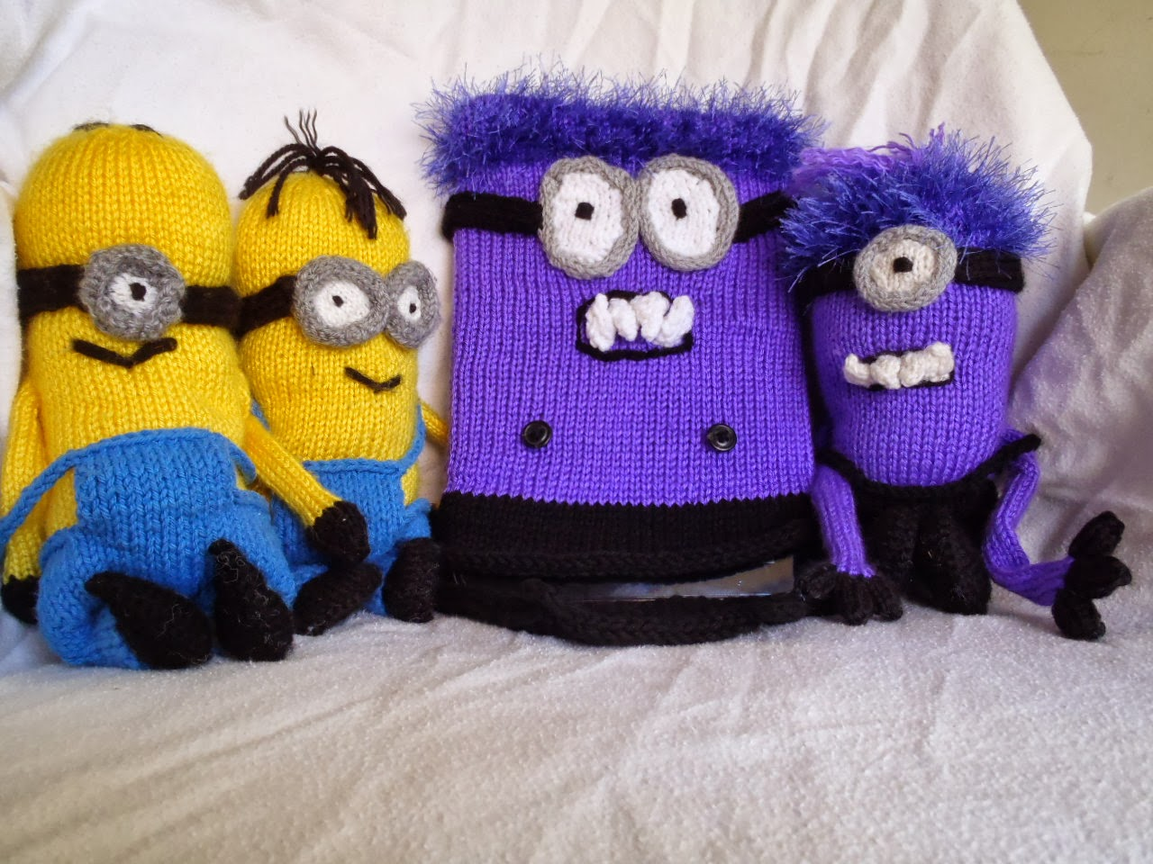 Stanas Critters Etc.: Knitting Pattern for Minions tablet or I-pad ...