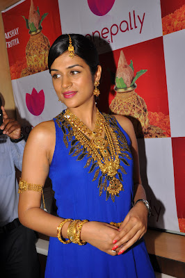 shraddha das at manepally jewellers shraddha das new unseen pics