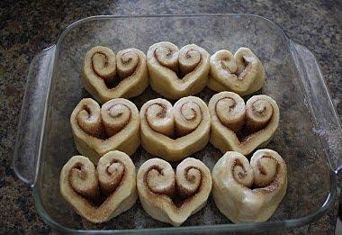 Heart%2Bcinnamon%2Brolls Treats for Valentines Day