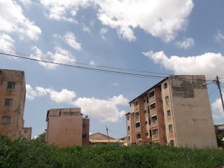 Dans la jungle des cités SIC dans Société batiment-mendong
