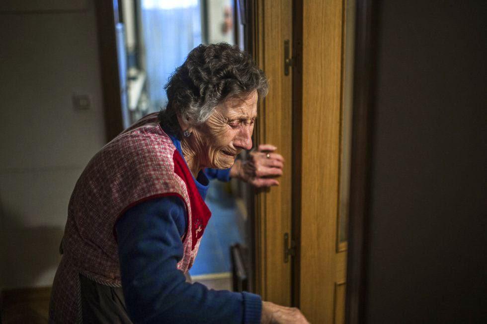 El dolor de Carmen Martínez de 85 años, desahuciada en Madrid por un gobierno de sátrapas