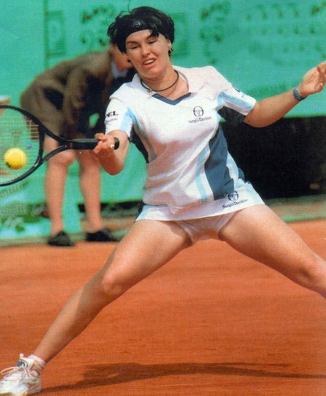 Most Viewed Martina Hingis Photo Gallery and Forum