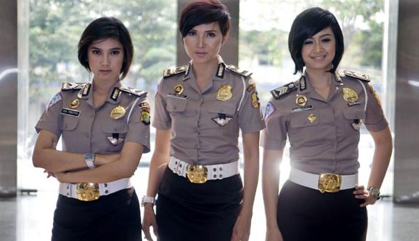 gambar dan foto polisi wanita cantik