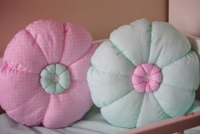kolorowe poduszki, poduszki dla dziecka