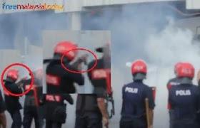 http://1.bp.blogspot.com/-Nyb07stFhok/TjJ4NphWtBI/AAAAAAAAjXk/NODszmKDfAQ/s320/tear%2Bgassss.jpg