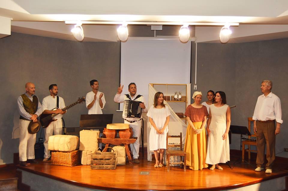 LA CANTADERA Proyecto escenico musical